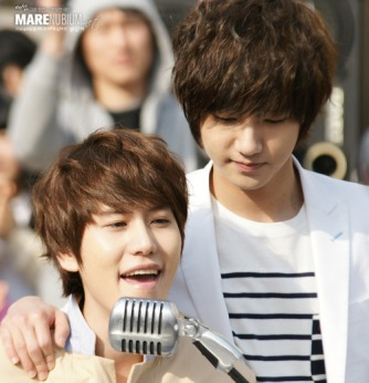 http://updatebaru.files.wordpress.com/2012/06/suju-kyu-yesung-3.jpg